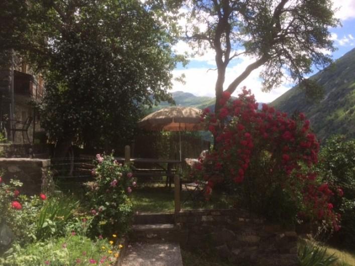 Location de vacances - Chalet à Les Varcins - Terrasse ombragée