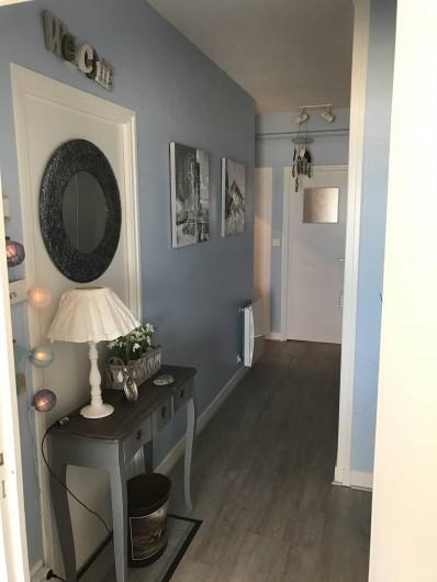 Location de vacances - Appartement à Neufchâtel-Hardelot - Couloir desservant les chambres
