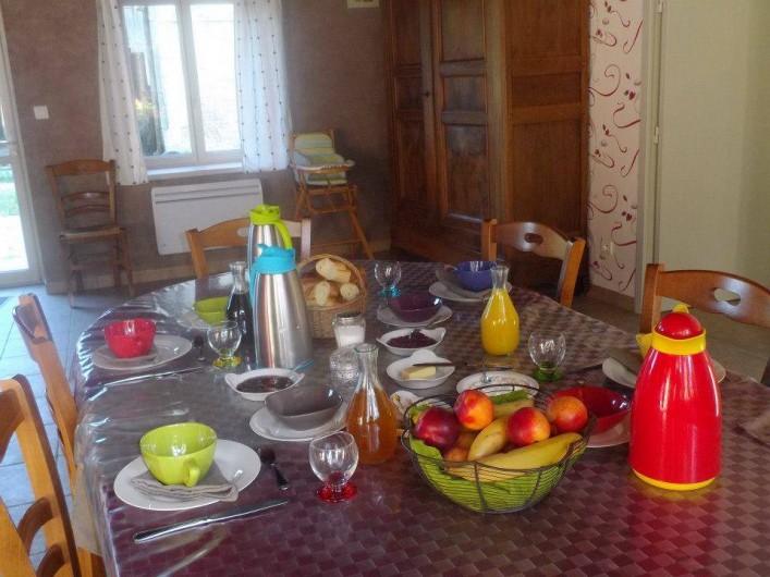 Location de vacances - Chambre d'hôtes à Les Maillys - le petit déjeuner