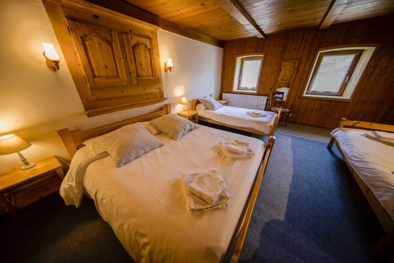 Location de vacances - Appartement à Morzine - 2ème chambre  GENTIANE 1 lit 2 pers. + 2 lits  1pers.