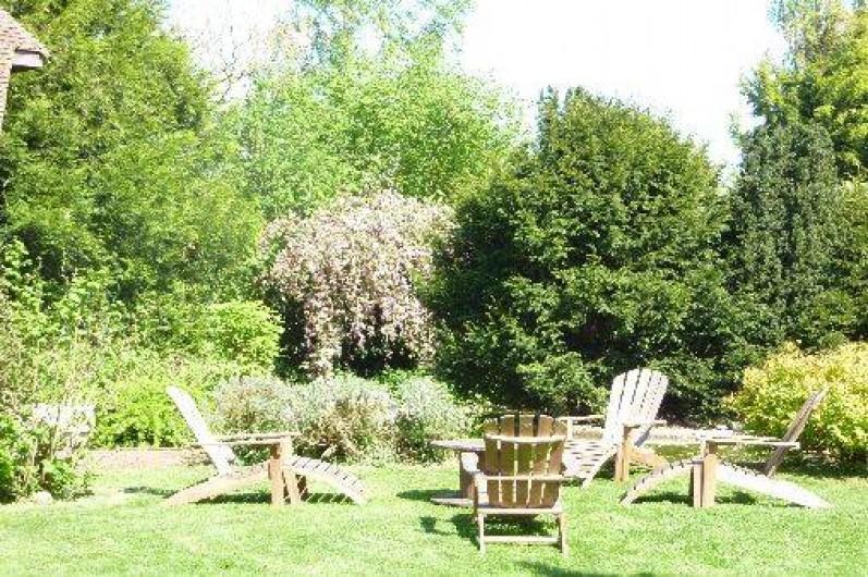 Location de vacances - Chambre d'hôtes à Le Plessis-Grohan - SALON DE JARDIN Mare non sécurisée