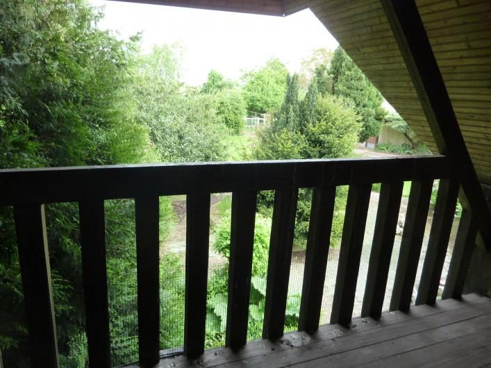 Location de vacances - Chambre d'hôtes à Le Plessis-Grohan - Suite Ô SOLEIL LEVANT Balcon  vue jardin grande chambre 1