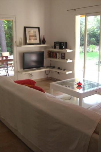 Location de vacances - Villa à Porto-Vecchio - terrasse avec table `manger