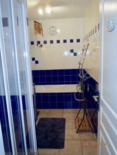 Location de vacances - Villa à Muret - salle de bain, la baignoire