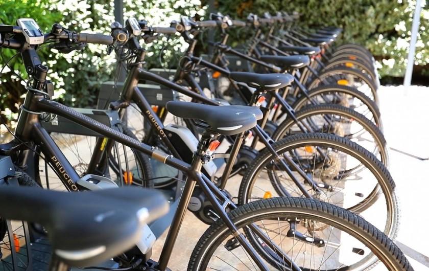 Location de vacances - Villa à Calvi - 10 vélos à assistance électrique sont mis à disposition de nos clients