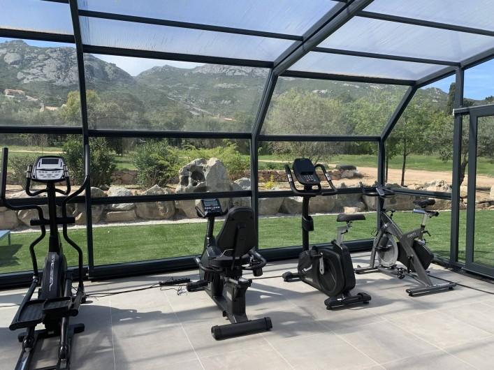 Location de vacances - Villa à Calvi - Espace sport - Plusieurs machines sont mises à disposition de nos clients