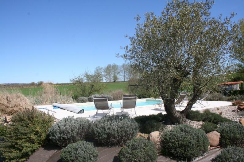 Location de vacances - Gîte à Labastide-de-Lévis - Piscine commune aux résidents