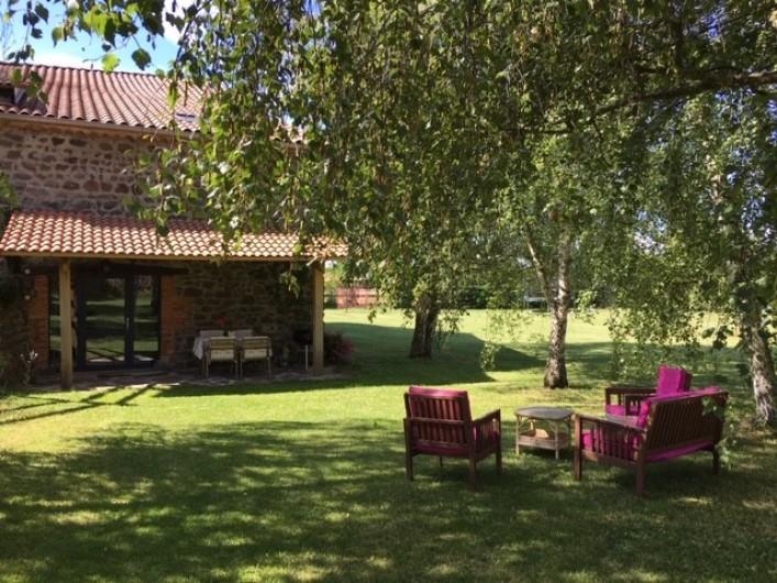 Location de vacances - Gîte à Vailhac - jardin privatif