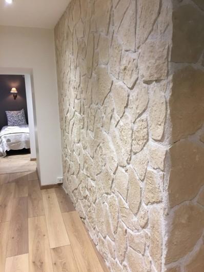 Location de vacances - Appartement à Sainte-Foy-Tarentaise - Couloir d'accès aux chambres