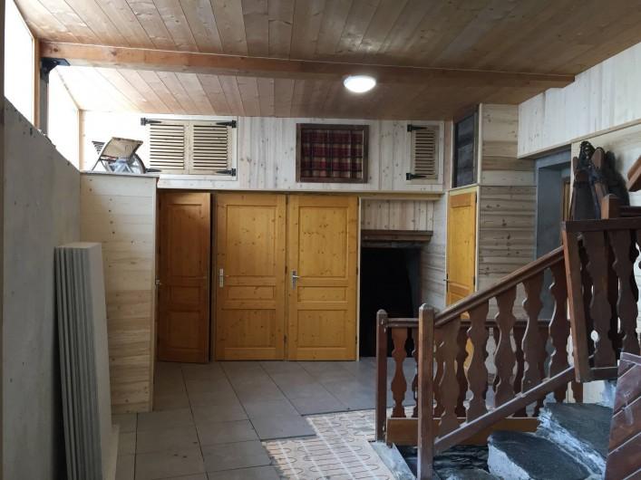 Location de vacances - Appartement à Sainte-Foy-Tarentaise - Cour intérieure du chalet PELLENARD