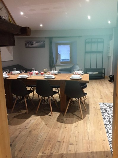 Location de vacances - Appartement à Sainte-Foy-Tarentaise - Coin repas