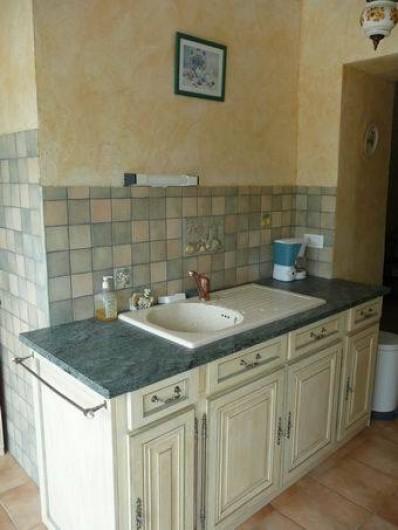 Location de vacances - Appartement à Mercuer - cuisine évier