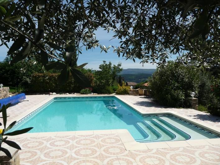 Location de vacances - Appartement à Mercuer - piscine