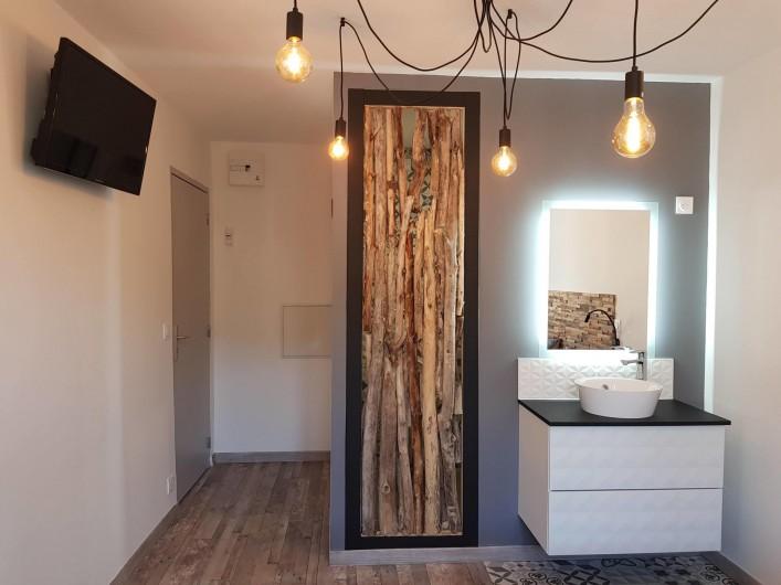 Location de vacances - Appartement à Saint-Montan - Pastourelle - lit king size
