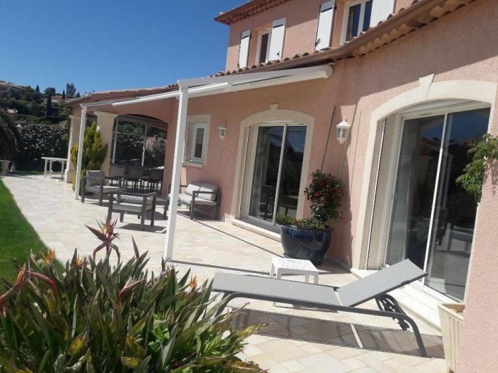 Location de vacances - Villa à Les Issambres - coin détente