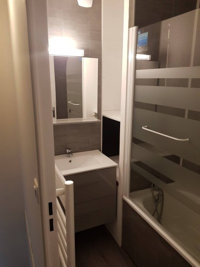 Location de vacances - Appartement à Blonville-sur-Mer - Salle de bains avec baignoire
