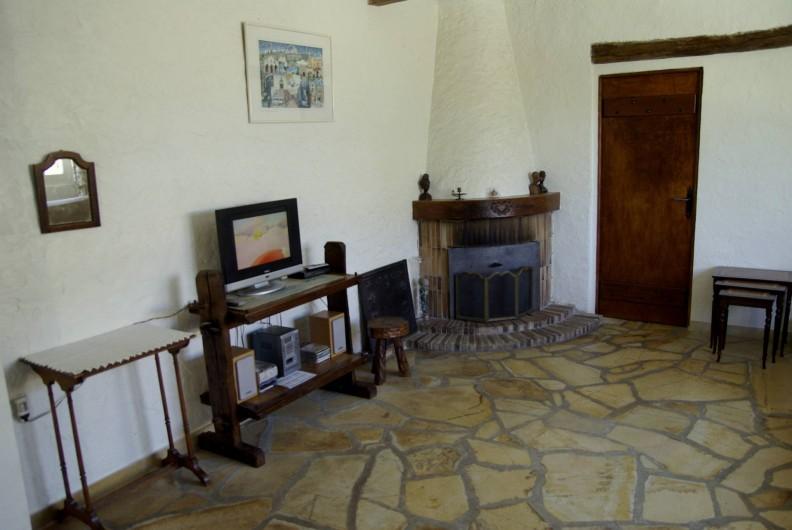 Location de vacances - Villa à Roquefort-les-Pins - Coin cheminée
