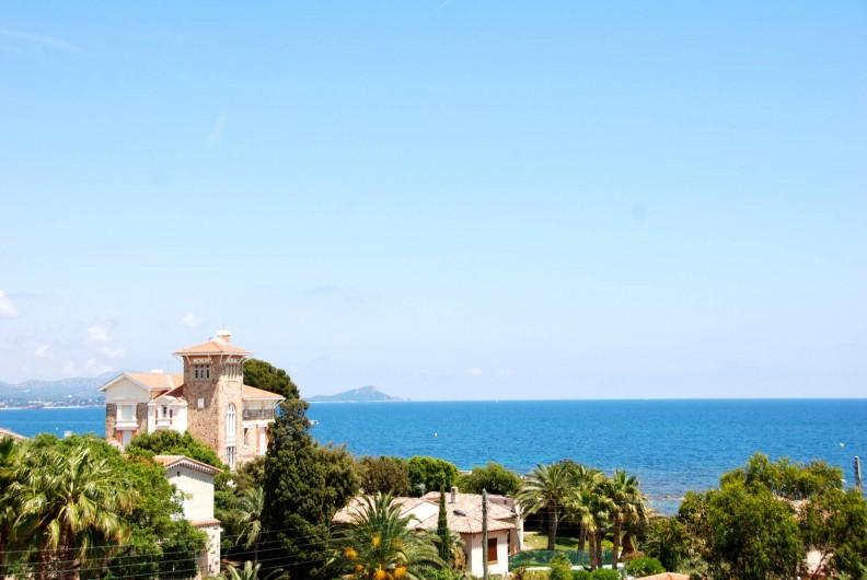 Location de vacances - Appartement à Saint-Aygulf - L'on jouit d'une vue imprenable