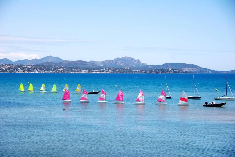 Location de vacances - Appartement à Saint-Aygulf - Des petits bateaux de l'école