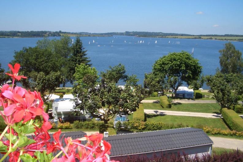Location de vacances - Camping à Salles-Curan - camping beau-rivage accès direct à la plage du lac de Pareloup en Aveyron