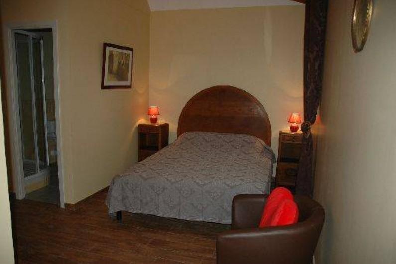 """Location de vacances - Gîte à Badefols-sur-Dordogne - """"Petite suite"""" au 1er étage de LA TOUR"""