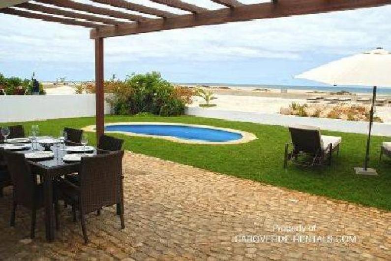 Villa avec piscine au cap vert santa maria for Piscine cap vert