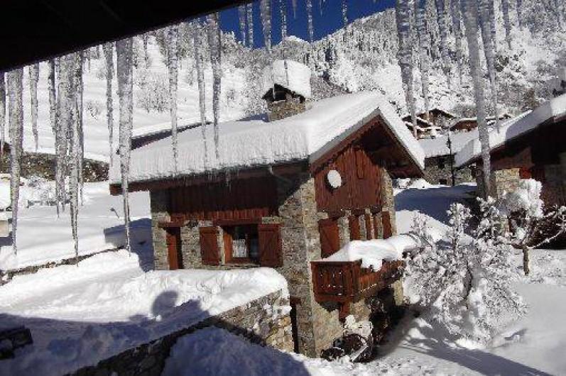 Location de vacances - Chalet à Champagny-en-Vanoise - Chalet en hiver vu depuis notre maison