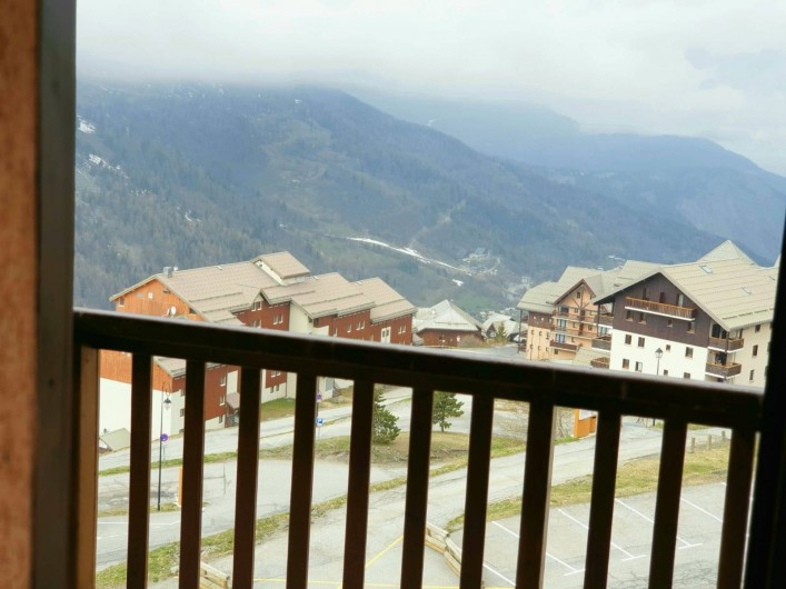 Location de vacances - Appartement à Valmeinier 1800 - Vue de la terrasse