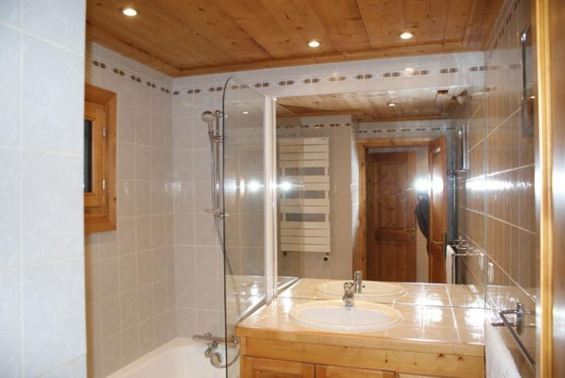 Location de vacances - Appartement à Méribel - Fougères 1 - Salle de bain