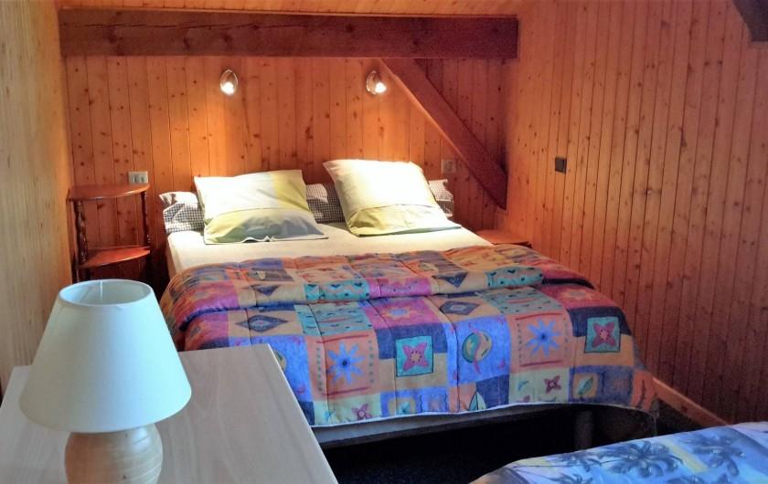 Location de vacances - Chalet à Taninges - MONT-CALY N°2 Chambre - couchage double + 1 lit simple