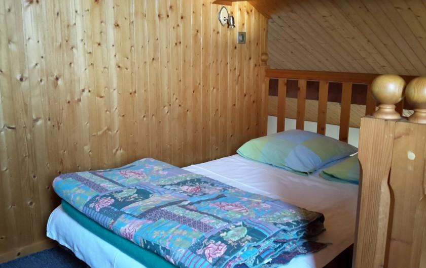 Location de vacances - Chalet à Taninges - MONT-CALY N°1 Mezzanine - couchage double