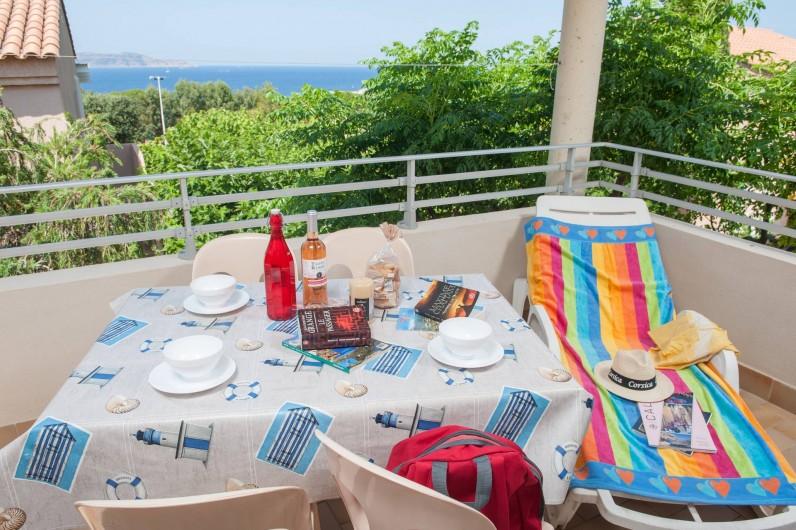 Location de vacances - Appartement à Lumio - Terasse