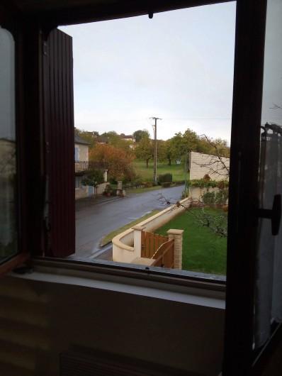 Location de vacances - Appartement à Liourdres - vue depuis le living