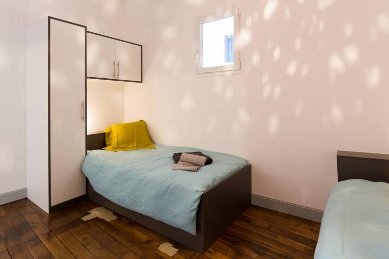 Location de vacances - Appartement à Charleville-Mézières - Chambre des jumeaux avec 2 lits de 90 X 200 cm