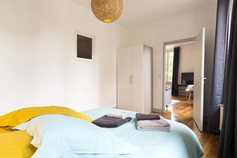 Location de vacances - Appartement à Charleville-Mézières - Chambre Moulin avec armoire penderie