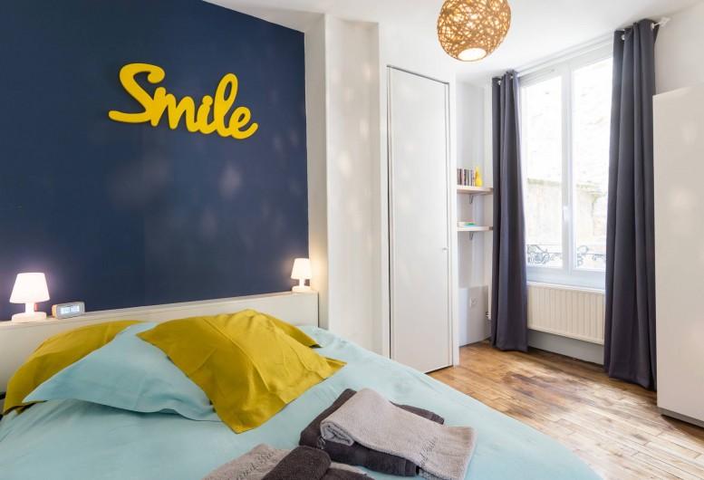 Location de vacances - Appartement à Charleville-Mézières - Chambre cour avec lit de 160 X 200