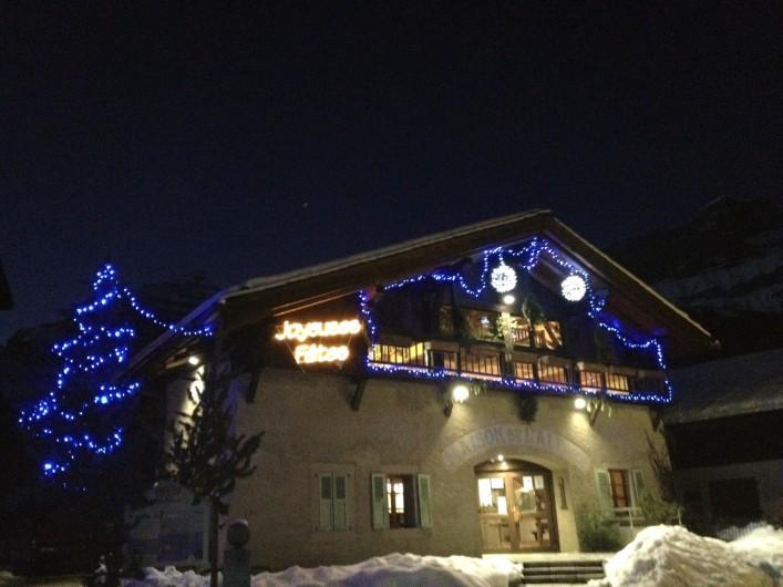 Location de vacances - Chalet à Servoz - Le lac vert situé à 1 h de marche du chalet.