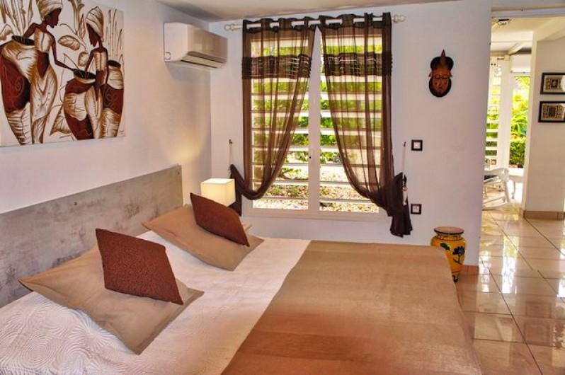 Location de vacances - Villa à Saint-François - Vue terrasse depuis le salon