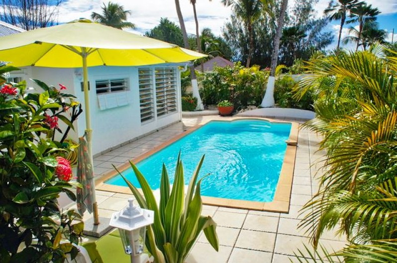 Location de vacances - Villa à Saint-François - Terrasse et piscine