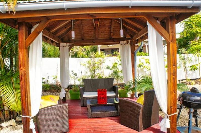 Location de vacances - Villa à Saint-François - Jolie galerie sur 3 côtés de la villa