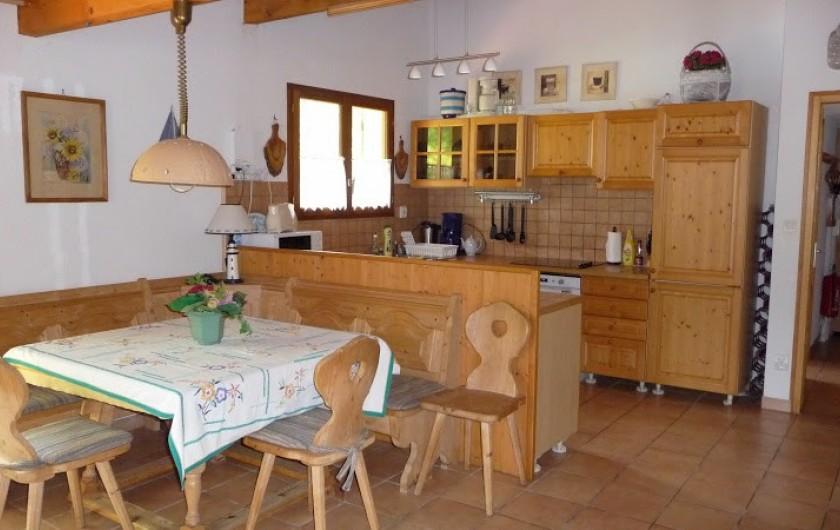 Location de vacances - Villa à Biscarrosse Plage - coin repas pour 8 personnes