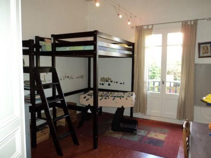 Location de vacances - Maison - Villa à Saint-Laurent-de-la-Salanque - Chambre: 1 lit en 140cm en mezzanine Baby-foot à disposition :)