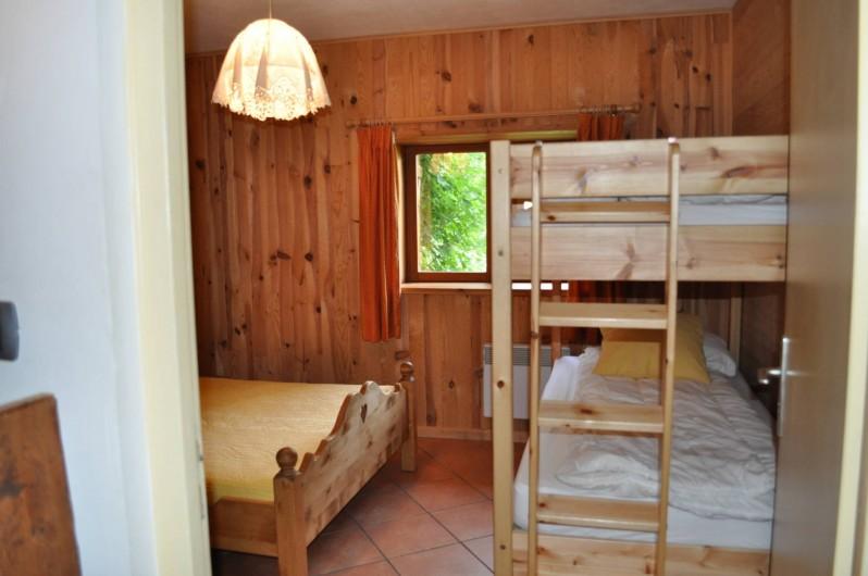 Location de vacances - Chalet à Saint-Jean-d'Arves - chambre 4