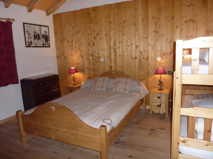 Location de vacances - Chalet à Saint-Jean-d'Arves - chambre 3