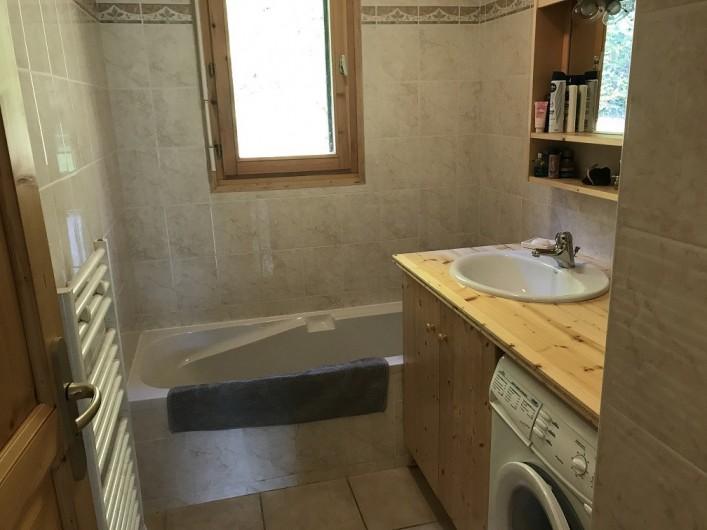 Location de vacances - Appartement à Samoëns - Salle de bains