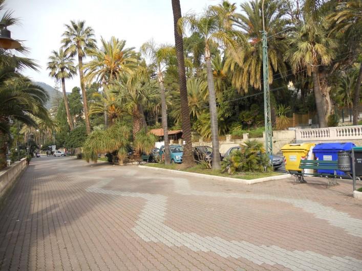 Location de vacances - Appartement à Ospedaletti - promenade de Ospedaletti