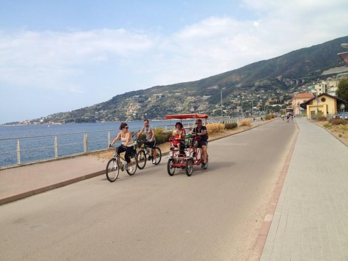 Location de vacances - Appartement à Ospedaletti - Piste ciclable à Ospedaletti et promenade à la mer