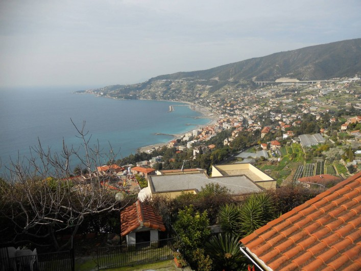Location de vacances - Appartement à Ospedaletti - vue panoramique de Ospedaletti