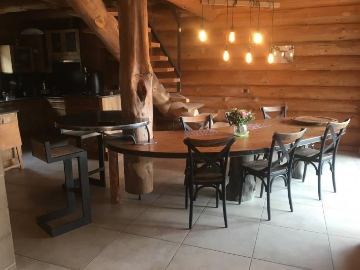 Location de vacances - Chalet à Bolquère - Une table sur-mesure