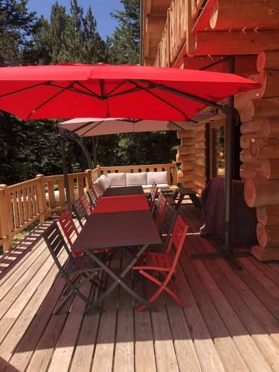 Location de vacances - Chalet à Bolquère - La terrasse en configuration repas